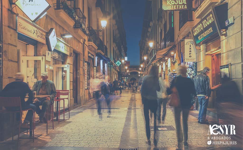 Las claves jurídicas de la suspensión del cierre de la hostelería vasca